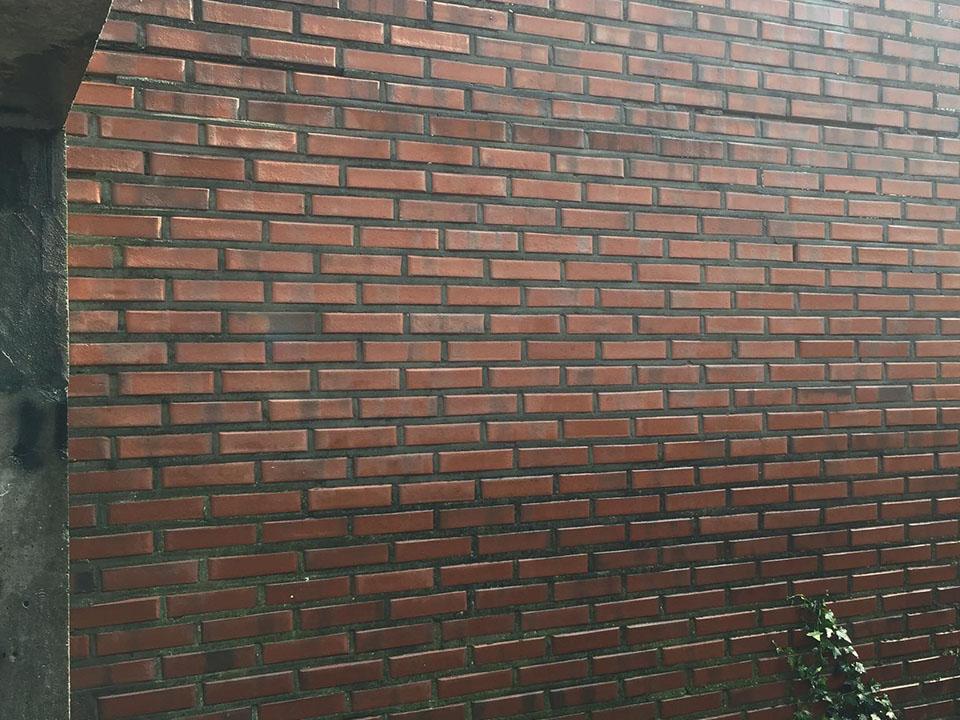 Zandstralen bakstenen muur - graffiti verwijderen - Repair Projects
