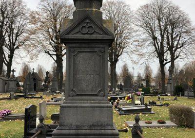 Vuile grafsteen kuisen   renovatie   restauratie graven